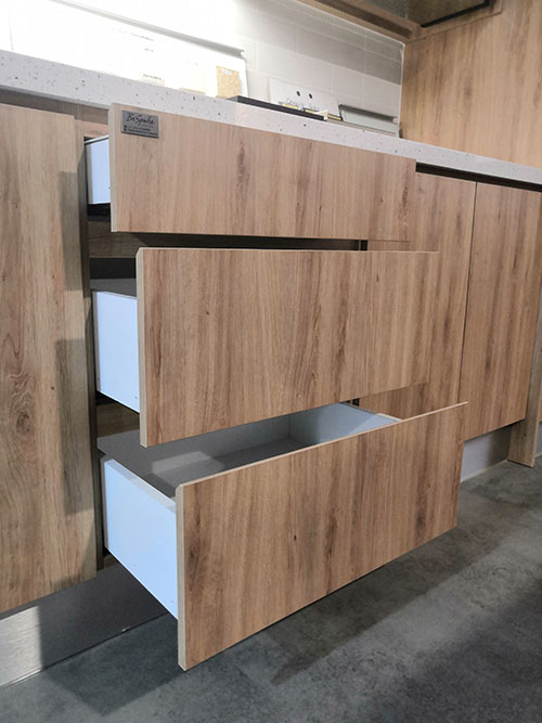 Drawer with soft close undermounted runner